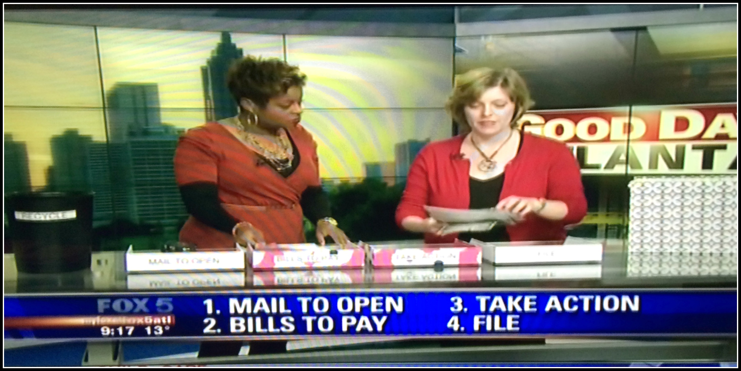 Laura Ray on Fox 5 Good Day Atlanta : Organize your paper